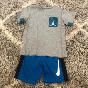 ❌SOLD❌ Toddler Boys Nike Top & Bottom Set